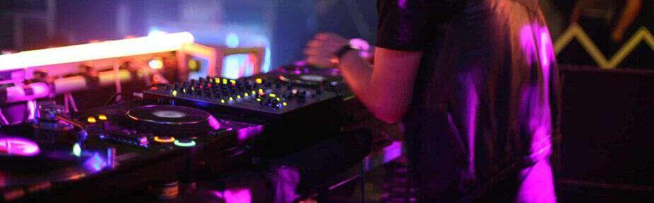 Lej en DJ med Maxvolume